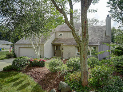 Greendale Single Family Home Active Contingent With Offer: 7053 Heathmeadow Ct