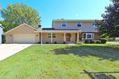 Racine Single Family Home For Sale: 5323 Count Dr