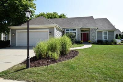 Waukesha Single Family Home Active Contingent With Offer: 3809 Stillwater Cir