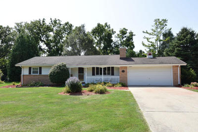 Brookfield Single Family Home For Sale: 15865 Brookhill
