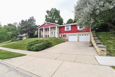 Waukesha Single Family Home For Sale: 1160 Downing Dr