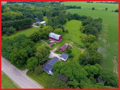 Jefferson County Single Family Home For Sale: N4435 County Road G