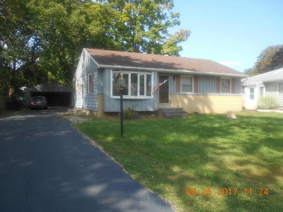 Hales Corners Single Family Home For Sale: 5427 S 114th St