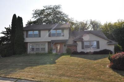 Greendale Single Family Home Active Contingent With Offer: 4357 Skylark Ct