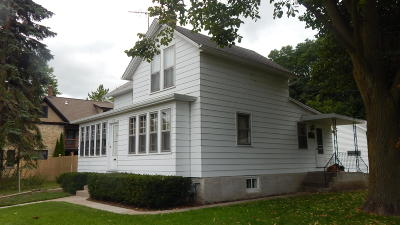 Ozaukee County Single Family Home For Sale: 317 W Main St