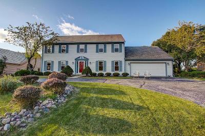 Waukesha Single Family Home For Sale: 3104 Kisdon Hill Dr