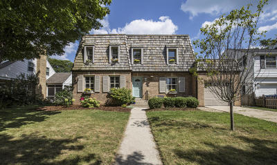 Milwaukee County Single Family Home Active Contingent With Offer: 6028 N Santa Monica Blvd