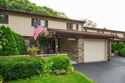 Mequon Condo/Townhouse Active Contingent With Offer: 12838 N Colony Dr