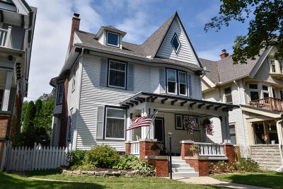 Milwaukee Single Family Home For Sale: 2739 N Stowell Ave