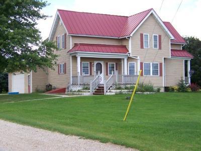 Ozaukee County Single Family Home For Sale: 6655 County Road B
