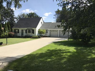 Brookfield Single Family Home Active Contingent With Offer: 1300 Garvens Ave