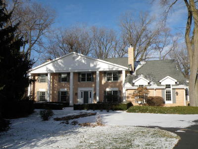 Brookfield Single Family Home For Sale: 16240 Wildwood Ct