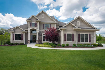 Ozaukee County Single Family Home For Sale: N72w7913 Harvest Ln