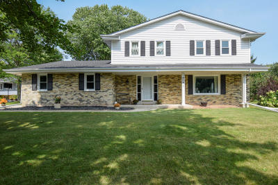Ozaukee County Single Family Home For Sale: 917 Vista Ln