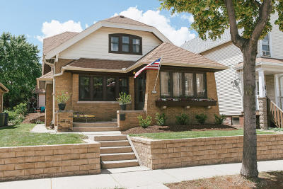 Milwaukee Single Family Home For Sale: 2533 S Howell Ave