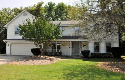 Waukesha Single Family Home Active Contingent With Offer: N27w22523 Burningwood Ln