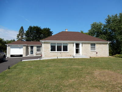 Brookfield Single Family Home For Sale: 14140 Newell Dr