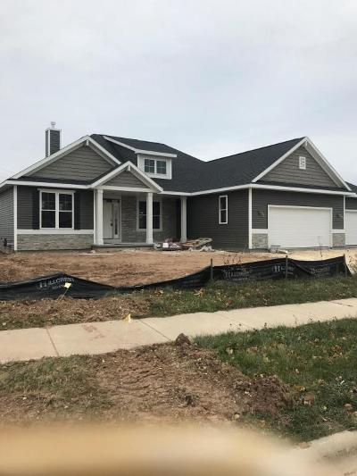 Grafton Single Family Home For Sale: 1806 Windrush Dr