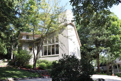Williams Bay Single Family Home For Sale: 94 Lower Loch Vista Dr