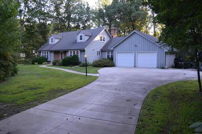Racine County Single Family Home For Sale: 1214 Kirkwood Dr