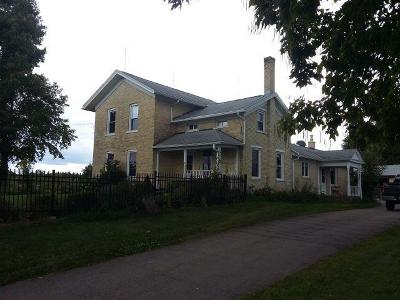 Jefferson County Single Family Home Active Contingent With Offer: N8937 County Road E
