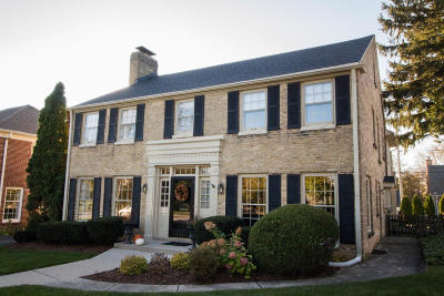 Whitefish Bay Single Family Home For Sale: 6311 N Lake Dr