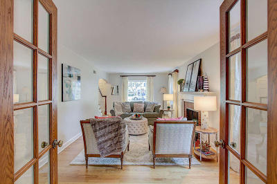 Wauwatosa Single Family Home Active Contingent With Offer: 9516 Beverly Pl