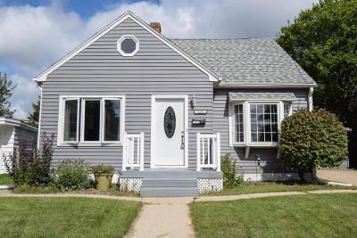 Waukesha Single Family Home For Sale: 1212 Buena Vista Ave