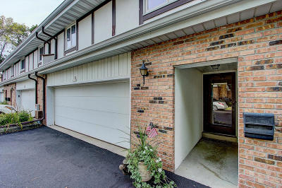 Cedarburg Condo/Townhouse For Sale: W53n158 Garfield Ct