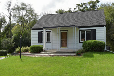 Washington County Single Family Home For Sale: 1333 W Decorah Rd