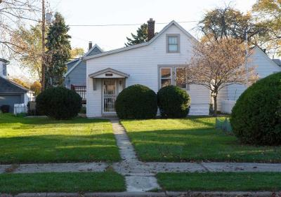 South Milwaukee Single Family Home Active Contingent With Offer: 517 Marshall Ave