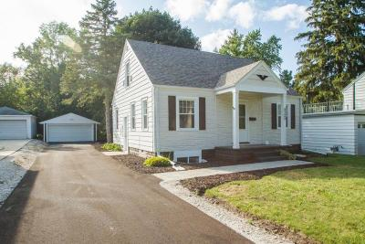 Hales Corners Single Family Home For Sale: 5725 S 112th St