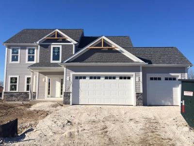 Menomonee Falls Single Family Home For Sale: W139n6071 Weyerhaven Dr #Lt4