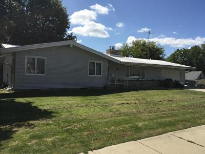 Jefferson County Single Family Home Active Contingent With Offer: 707 W Main St
