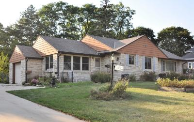Hales Corners Single Family Home For Sale: 5837 S 110th St