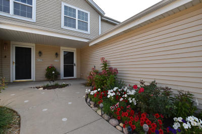 Waukesha Condo/Townhouse Active Contingent With Offer: 2115 E Broadway #C