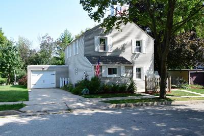Greendale Single Family Home Active Contingent With Offer: 5594 Arrowwood St