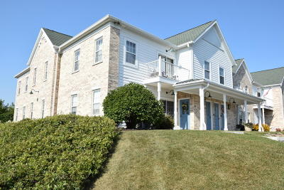 Waukesha Condo/Townhouse For Sale: 2732 Northview Rd #89