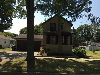 Jefferson County Single Family Home Active Contingent With Offer: 707 Walton St