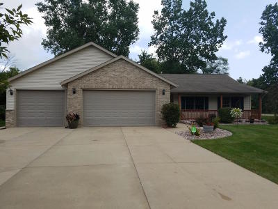 Pleasant Prairie Single Family Home For Sale: 11589 32nd Ave