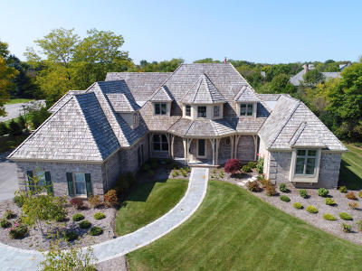 Ozaukee County Single Family Home For Sale: 11407 N Stonefield Ct