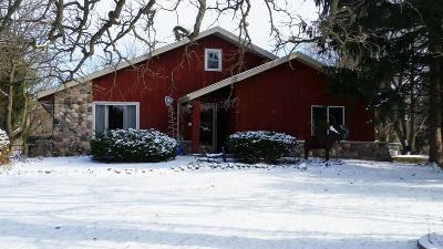 Waukesha County Single Family Home For Sale: W362s10098 Lewin Ln
