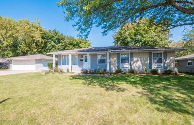 Menomonee Falls Single Family Home For Sale: N91w17460 Saint Mark Dr
