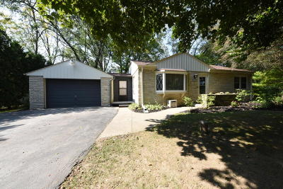 Menomonee Falls Single Family Home For Sale: W140n7023 Lilly Rd