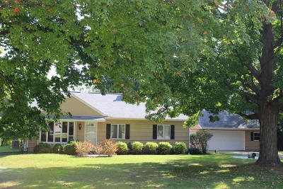 Brookfield Single Family Home For Sale: 2340 Rockway Ln W