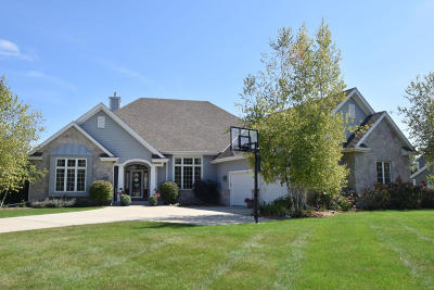 Cedarburg Single Family Home For Sale: W50n644 Creek View Ct