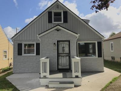 Milwaukee Single Family Home For Sale: 3934 N 77th St