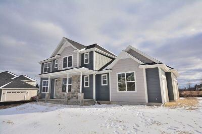 Ozaukee County Single Family Home For Sale: 7875 W Mourning Dove Ln