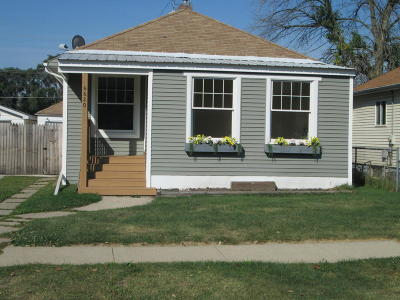 Kenosha County Single Family Home For Sale: 6620 33rd Ave