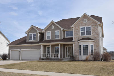 Ozaukee County Single Family Home For Sale: 1966 Pawnee Dr